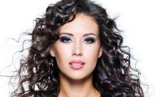 Эффект мокрых волос: варианты укладки на разную длину