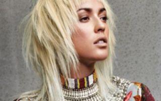 Стрижка Гаврош на средние волосы: возвращение на сцену моды