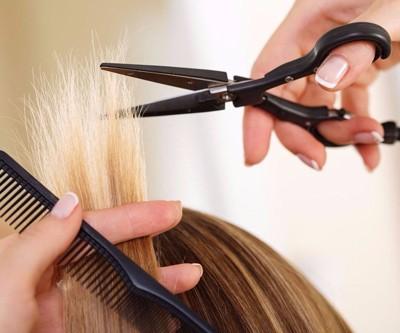 lesenka-4 Стрижка лесенка на средние волосы с челкой и без, 21 фото