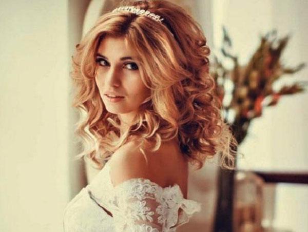 распущенные волосы для свадебной укладки