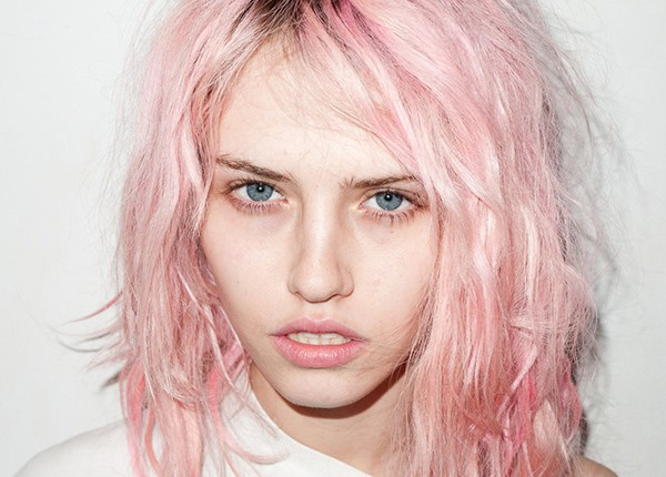 Бледно-розовый оттенок