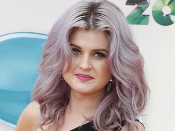 Пепельно-розовые волосы