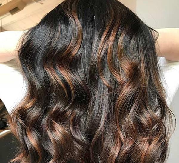 Карамельно-черные волосы