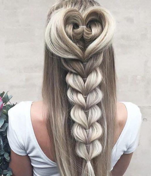 коса с бантом