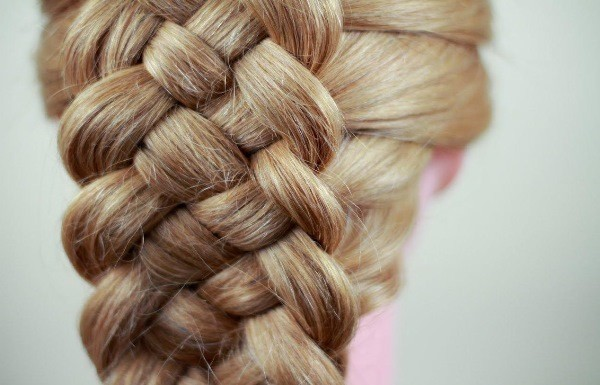 объемная коса 4 пряди