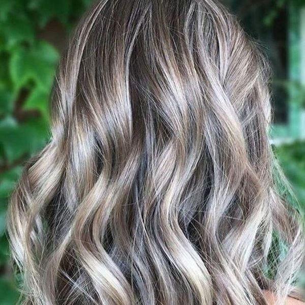 Пепельное мелирование на русые волосы
