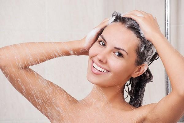 как смывать мелки с волос